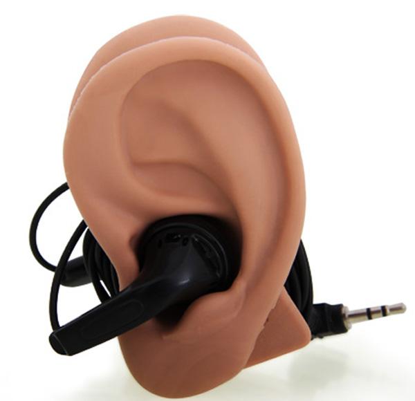 Des fausses oreilles pour ranger votre casque audio