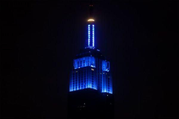 DoctorWho: Une pétition pour un Empire State Building couleur Tardis