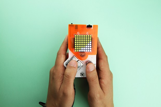 DIY Gamer Kit: assemble, code et joue